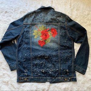 HOST PICK 💕 Embroidered distressed denim jacket